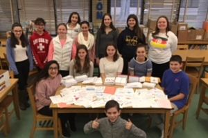 Berner's Builders Club Sends Holiday Cards To Soldiers