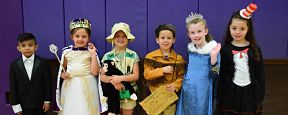 McKenna Students Get in Character at Wax Museum